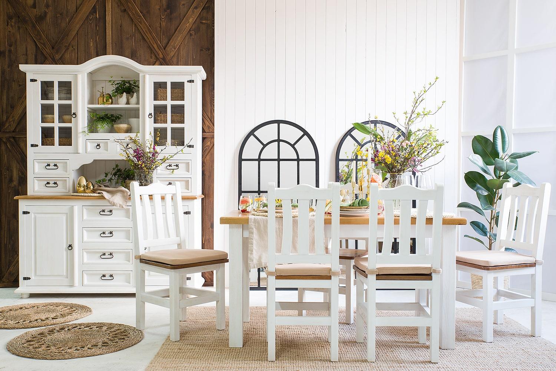 drevený stôl a stoličky do kuchyne